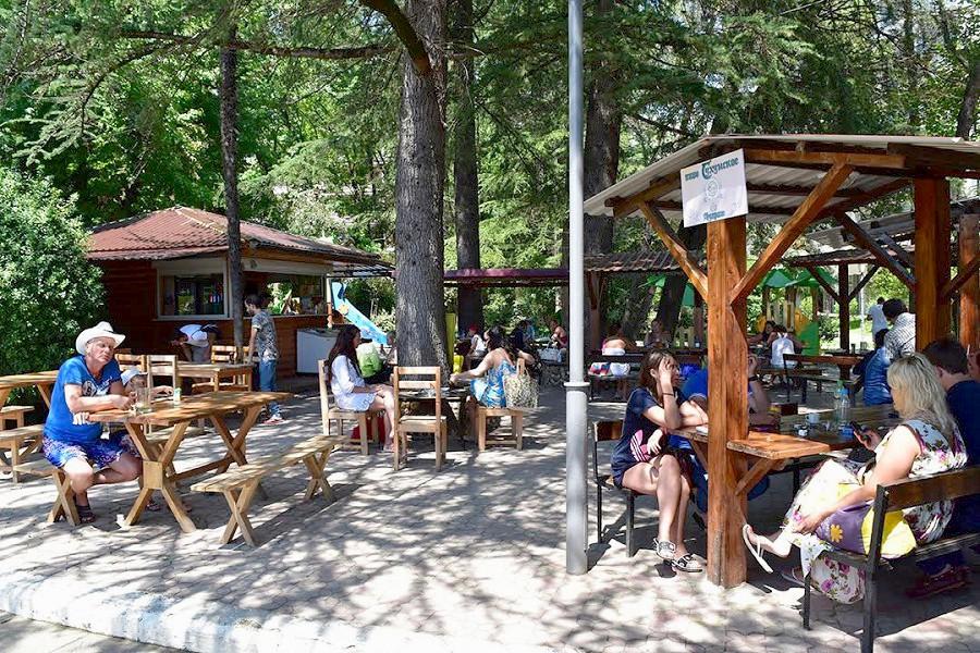 Летнее кафе санатория МВО Сухум