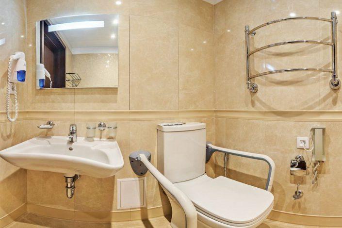 Туалетная комната Стандартного номера в корпусе Олимп санатория Мыс Видный