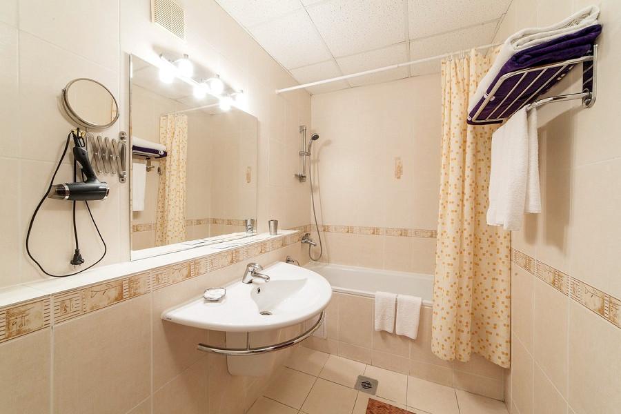 Туалетная комната в номере Студия санатория Надежда