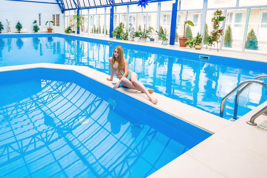 Крытый бассейн санатория Надежда
