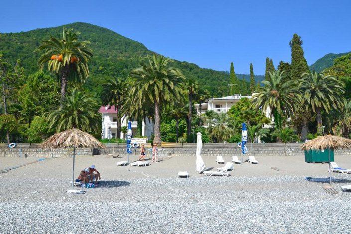 Пляж пансионата Нарт, Гагра, Абхазия