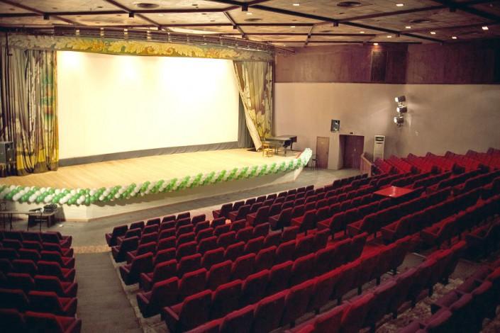 Киноконцертный зал пансионата Нева