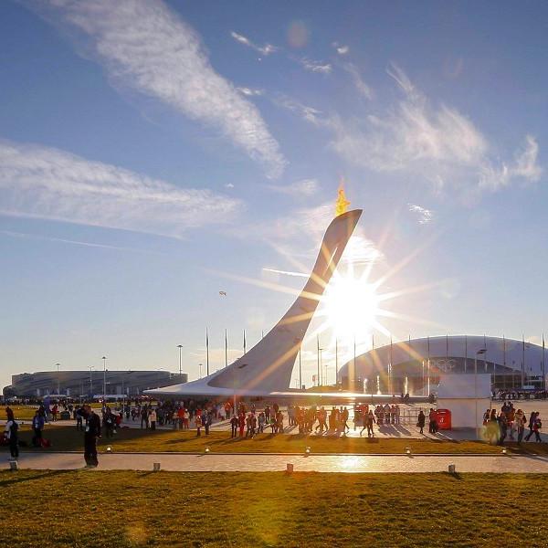 Вечерний Олимпийский парк Сочи