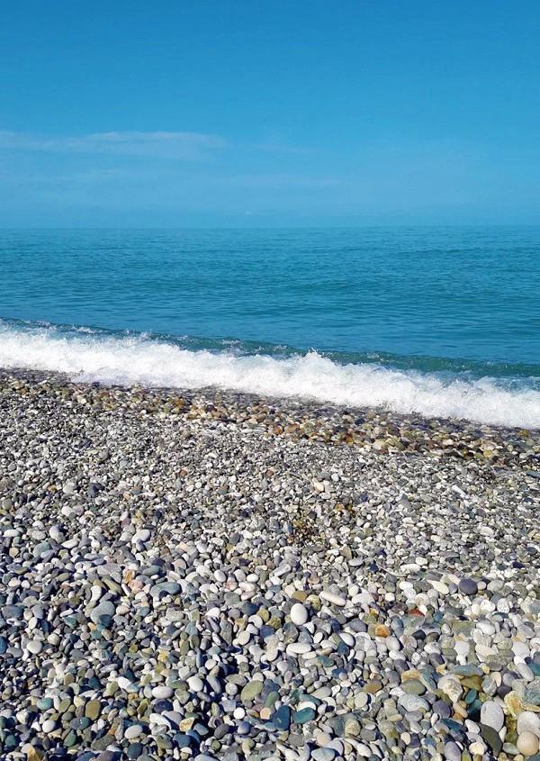 Пляж в поселке Алахадзы, Абхазия