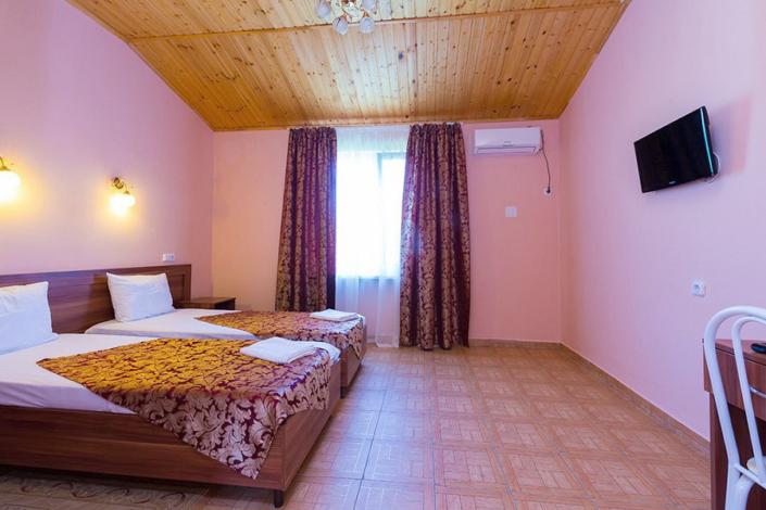 Стандартный 2-, 3- и 4-местный 2-комнатный 2-уровневый номер в коттедже пансионата Одиссея