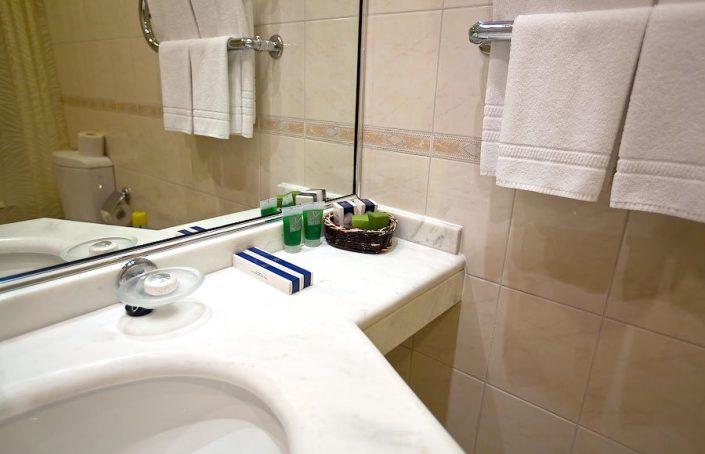 Туалетная комната в номере санатория Одиссея, Лазаревское, Сочи