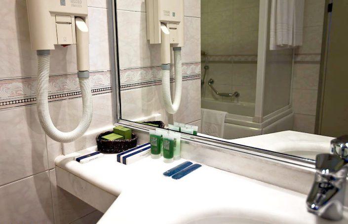 Туалетная комната номера Люкс санатория Одиссея, Лазаревское, Сочи