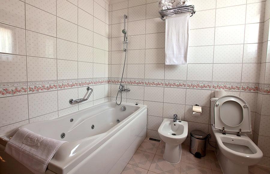 Туалетная комната в коттедже санатория Одиссея, Лазаревское, Сочи