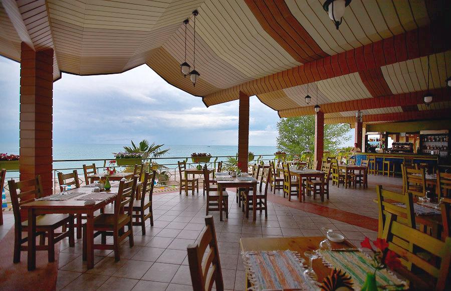 Ресторан Веранда на пляже санатория Одиссея, Лазаревское, Сочи