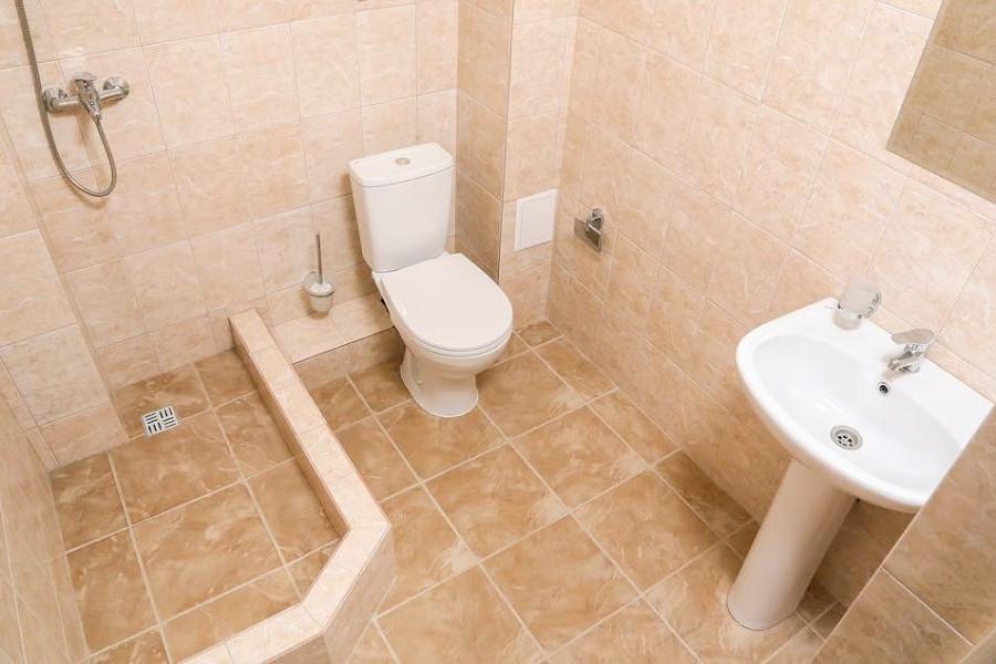 Туалетная комната Стандартного номера Old Gagra Hotel