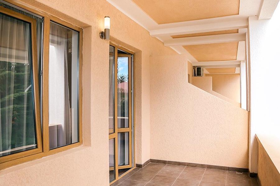Балкон Стандартного номера Old Gagra Hotel