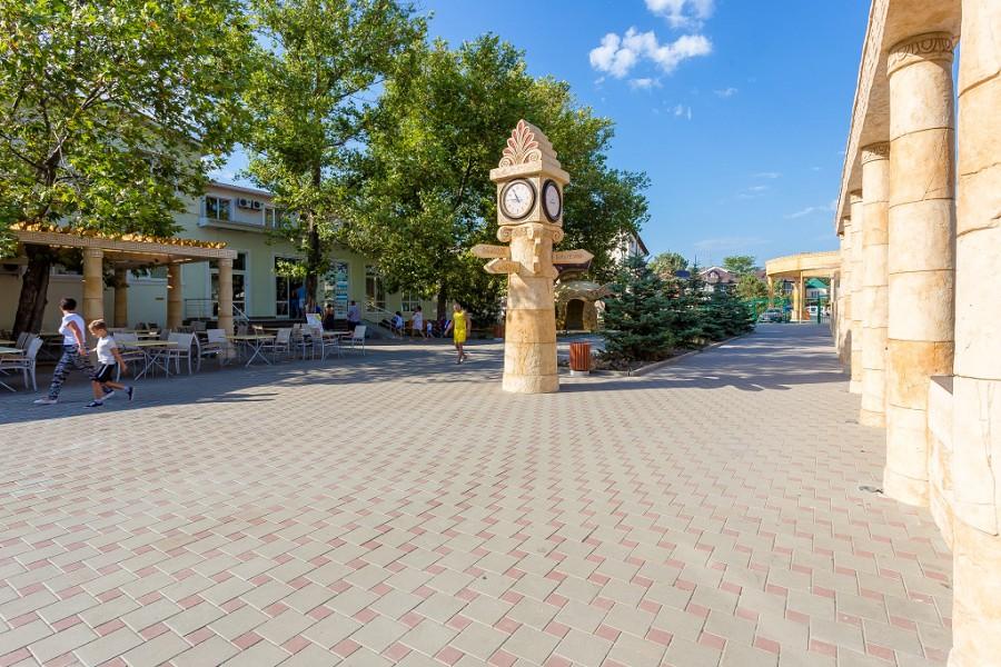 Территория отеля Олимп