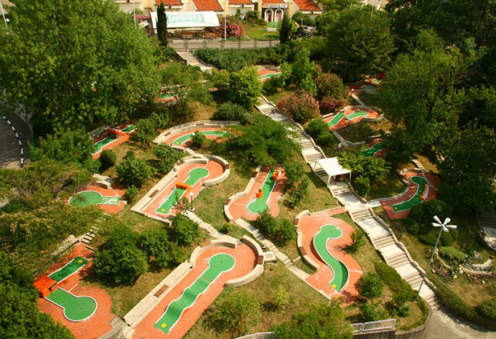 Поле для мини-гольфа пансионата Олимпийский Дагомыс