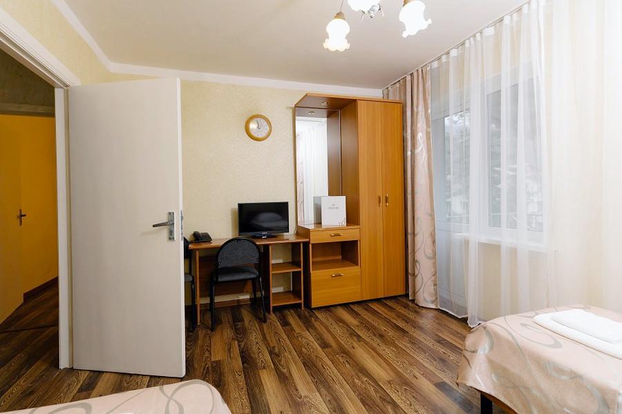 Семейный четырехместный двухкомнатный номер в Корпусе 1 отеля Orchestra Crystal Sochi Resort