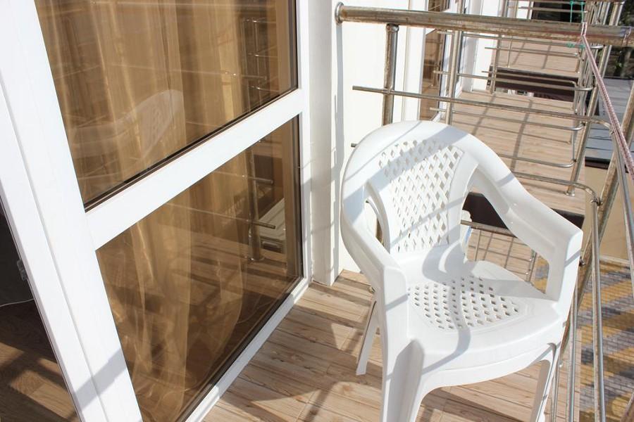 Балкон номера отеля Орхидея
