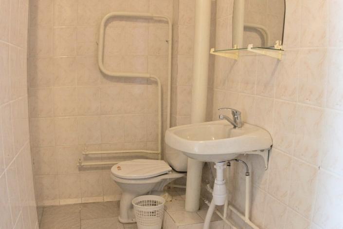 Туалетная комната номера Стандарт двухкомнатный в Корпусе № 1 санатория Орлиное гнездо