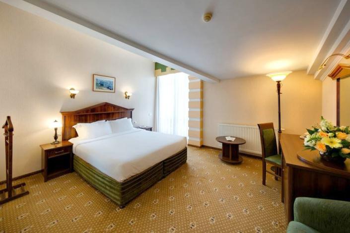 Стандарт Комфорт двухместный с видом на море отеля Palmira Palace