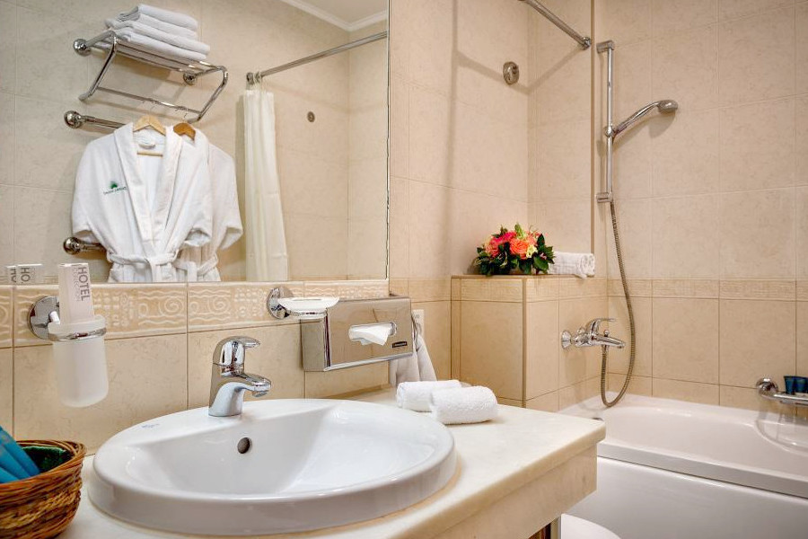 Туалетная комната номера Стандарт Комфорт отеля Palmira Palace