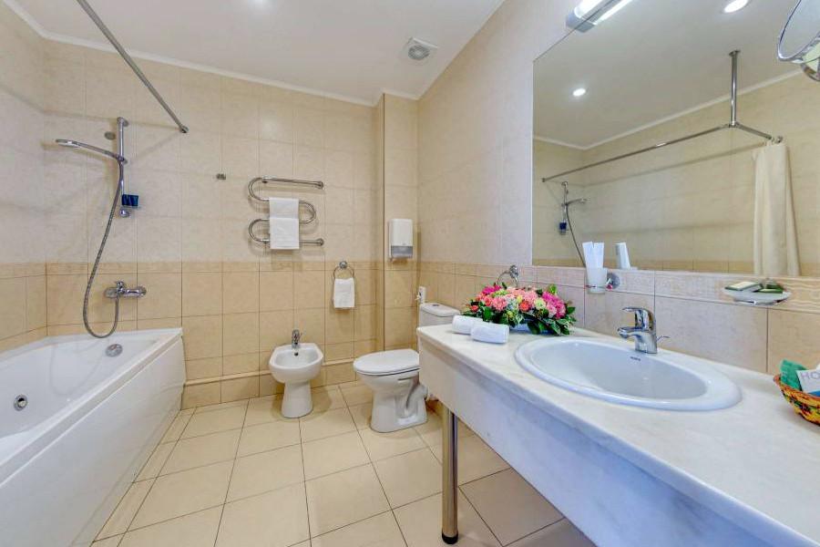 Туалетная комната номера Супериор отеля Palmira Palace