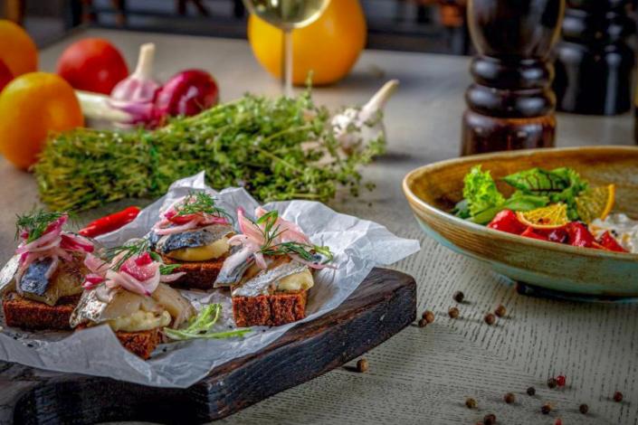 Блюда в ресторане На крыше отеля Palmira Palace