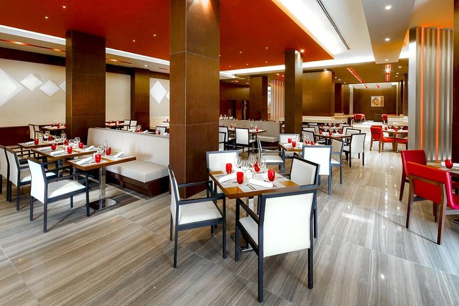 Ресторан Романов отеля Panorama by Mercure Красная Поляна