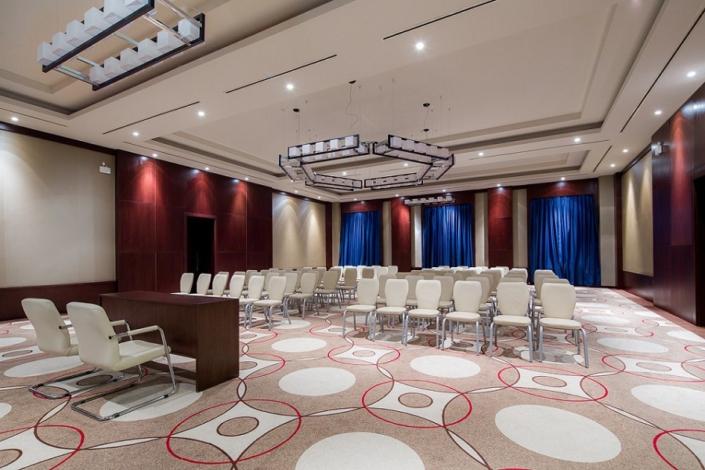 Конференц-зал Высоцкий отеля Panorama by Mercure Красная Поляна