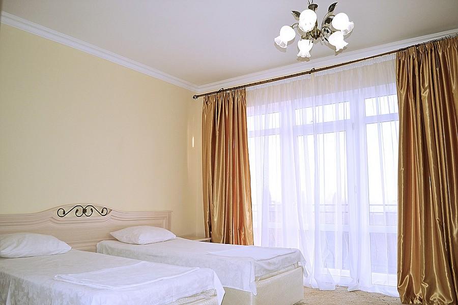 Стандартный номер с одним доп. местом в отеле Папа