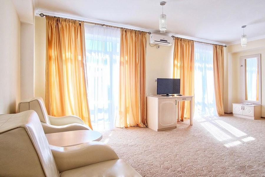 Стандартный номер с двумя доп. местами в отеле Папа