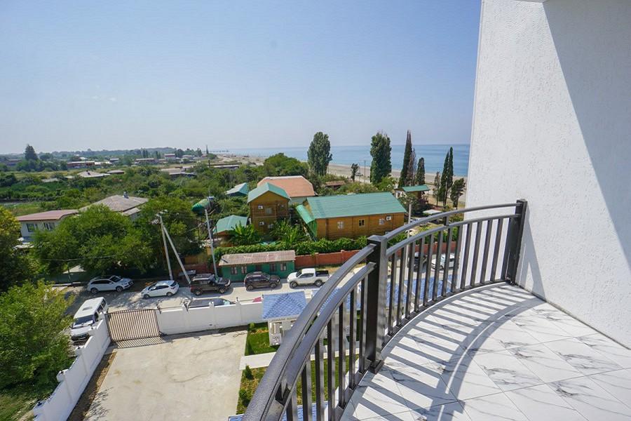 Балкон номера Люкс в Paradise Beach Hotel