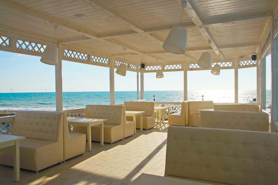 Кафе на территории Paradise Beach Hotel