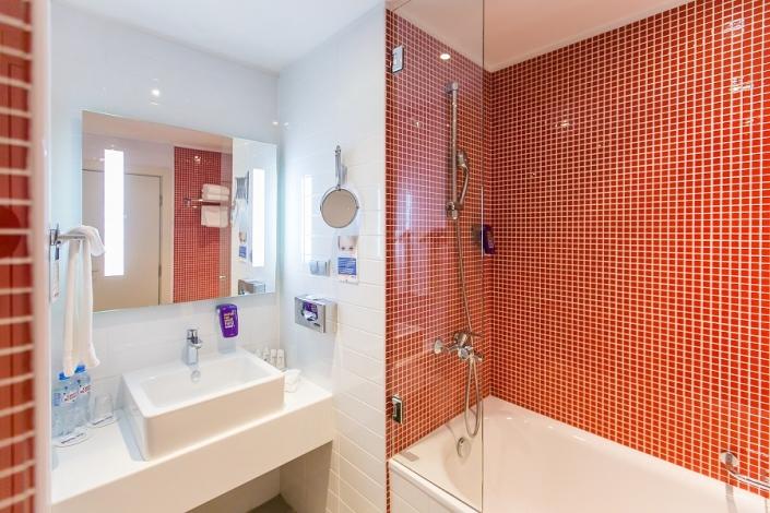 Туалетная комната в номере Park Inn by Radisson Rosa Khutor