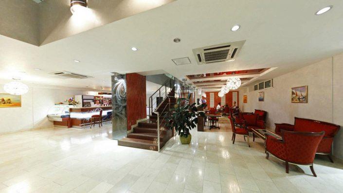 Холл гостиничного комплекса Парус