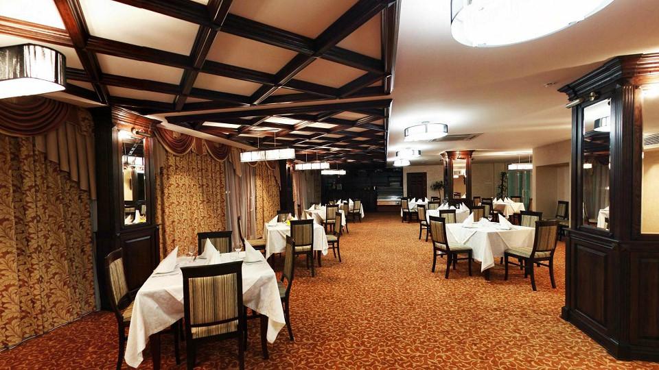 Ресторан Флибустьер в Главном корпусе гостиничного комплекса Парус
