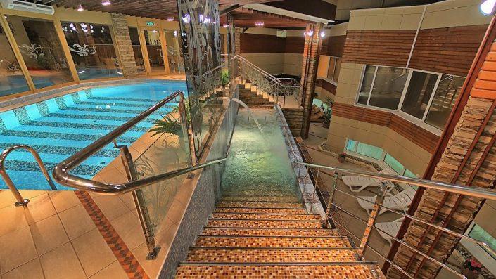 Гидротермальная зона в спа-центре гостиничного комплекса Парус