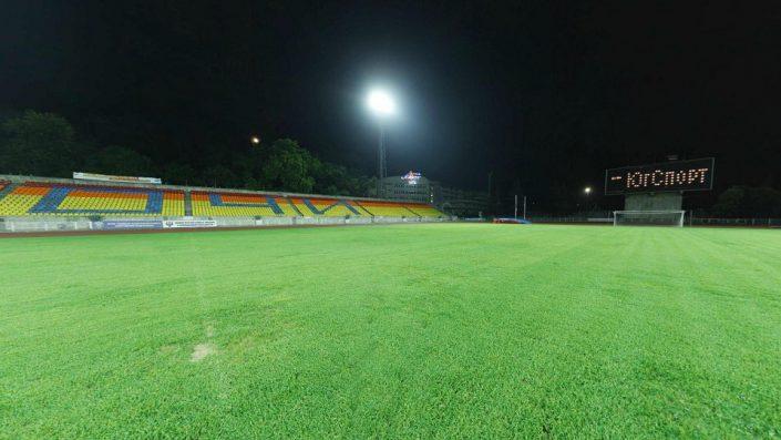 Центральный стадион вечером