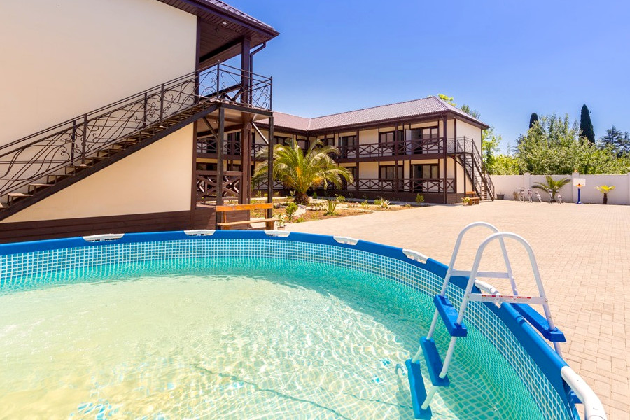 Детский каркасный бассейн гостевого дома Pekan