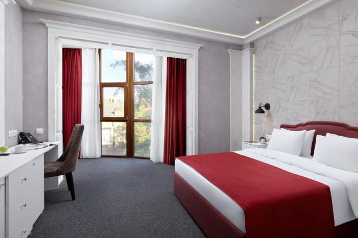 Полулюкс двухместный отеля Петр