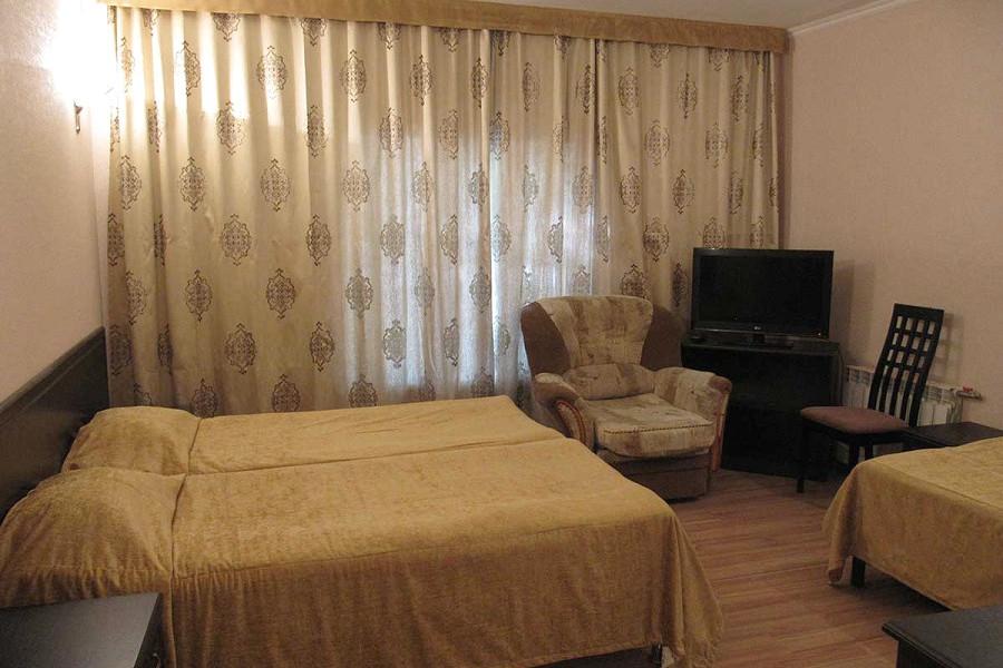Трехместный номер отеля Пирамида, Красная Поляна, Сочи