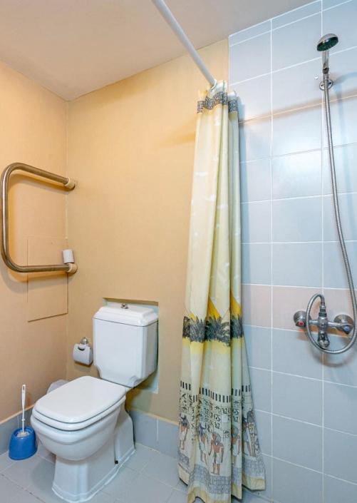 Туалетная комната Стандартного номера в пансионате Планета