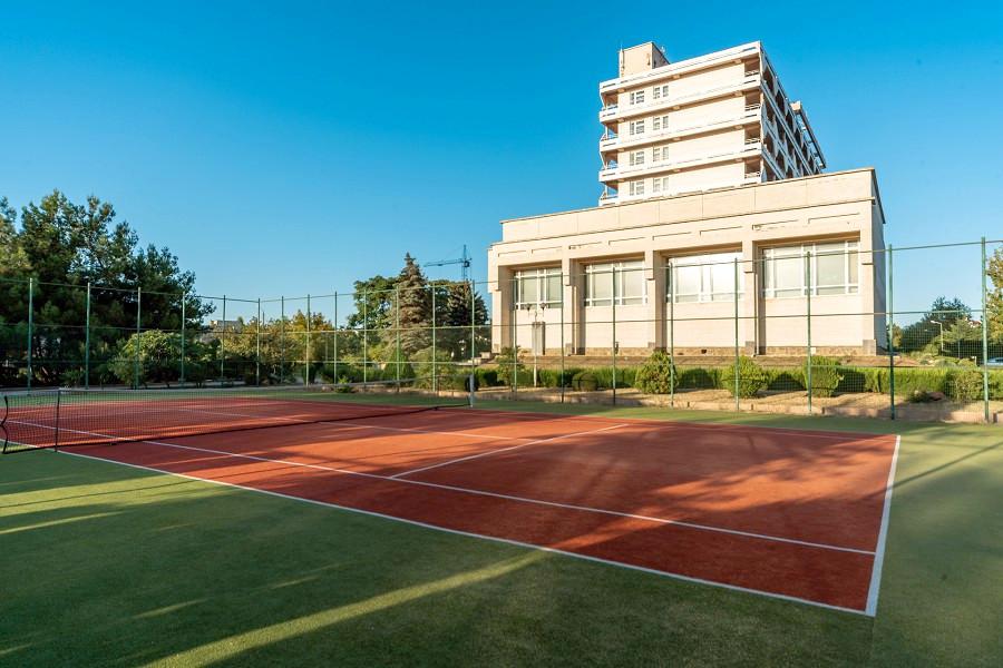Теннисный корт пансионата Планета