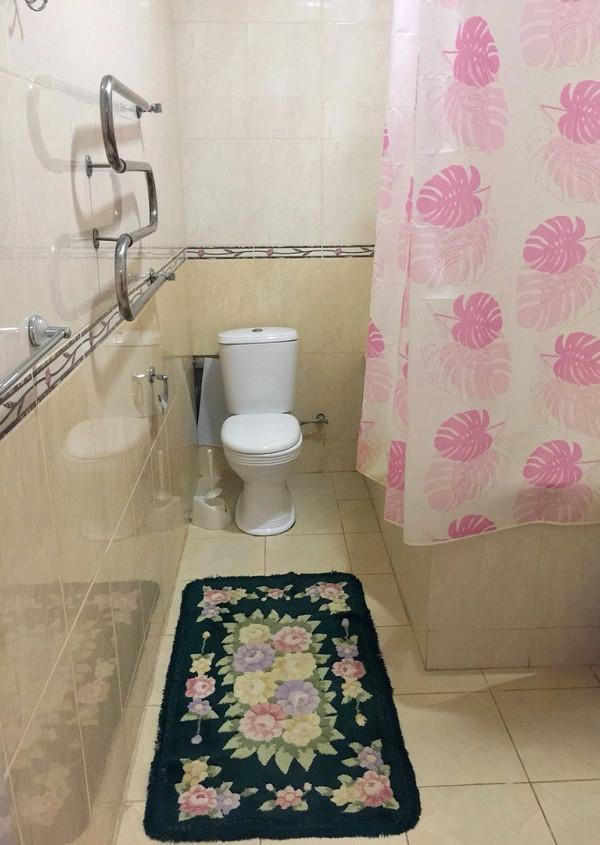 Туалетная комната номера Люкс в санатории Победа