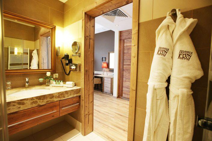 Туалетная комната Стандартного номера гостиничного комплекса Поляна 1389 Отель и Спа, Красная Поляна, Сочи