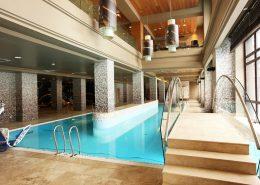 Крытый бассейн гостиничного комплекса Поляна 1389 Отель и Спа, Красная Поляна, Сочи
