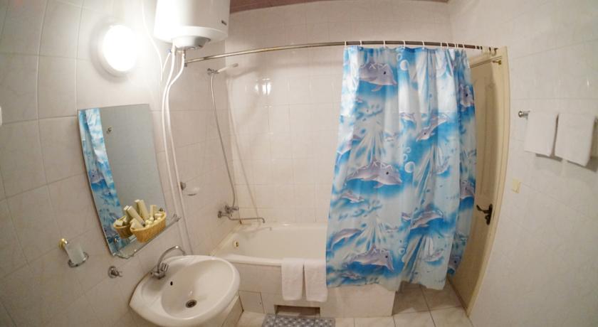 Туалетная комната номера Джуниор-Сюит двухместный однокомнатный