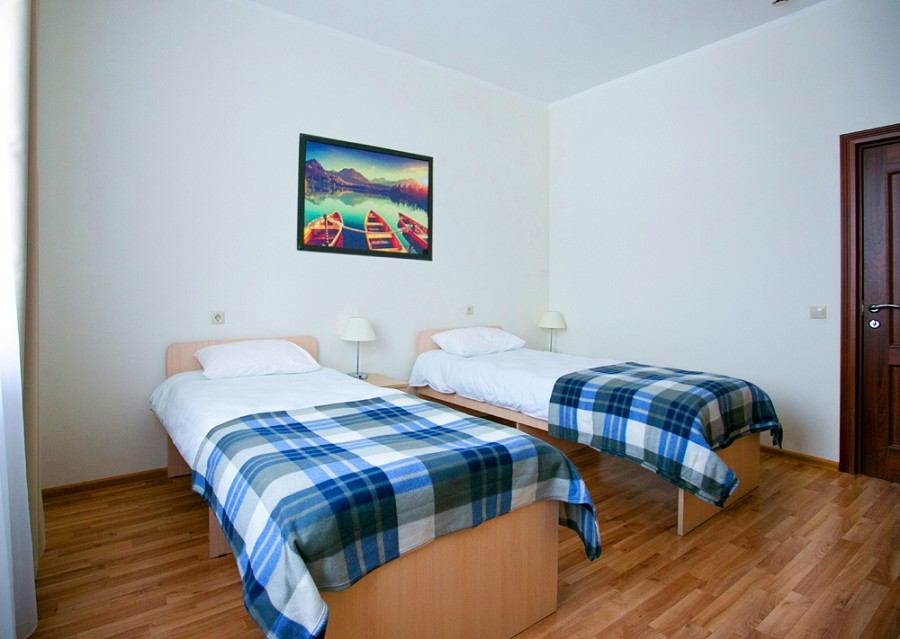 Двухместный номер с балконом и туалетной комнатой отеля Приют Панды