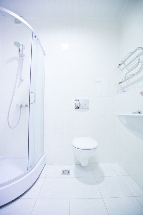 Туалетная комната двухместного номера отеля Приют Панды