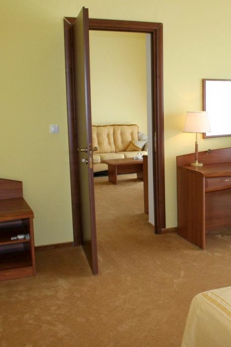 Люкс двухкомнатный отеля Прометей клуб