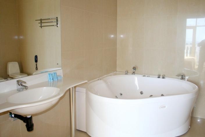 Туалетная комната в Пентхаусе отеля Прометей клуб