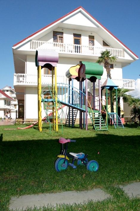 Детская площадка отеля Прометей клуб