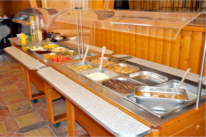 Шведский стол в ресторане Тортуга пансионата Прометей плюс ВВ